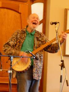 Pete Seeger at the Woodstock Jewish Congregation | rabbijonathankligler.com